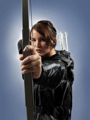 Jennifer Lawrence takes aim as Katniss Everdeen
